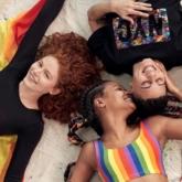 """Tự hào yêu thương trong những sắc màu của BST """"Love Unites"""" từ adidas"""