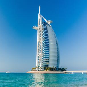 Sự thật kinh ngạc về khách sạn xa hoa nhất hành tinh
