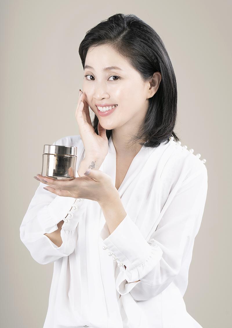 Lancôme Absolue Soft Cream, Liêu Hà Trinh