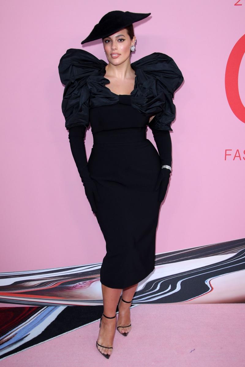 cfda 2019, thời trang, thiết kế, giải thưởng, màu đen, trang phục