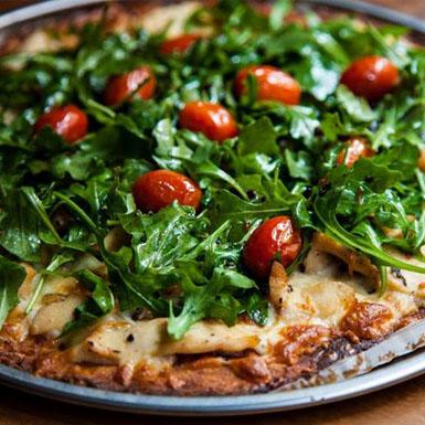 Nhà hàng Mỹ miễn phí đồ ăn cho khách hàng không sử dụng smartphone