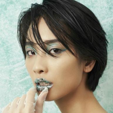 Marmoreal – kiểu trang điểm thách thức tay nghề của mọi cô nàng sành sõi nhất