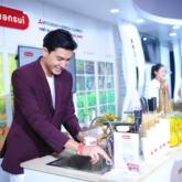 Sao Việt thích thú khám phá giải pháp nước sạch từ Nhật Bản