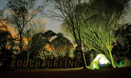 """Đi nhờ xe và """"couchsurfing"""" ở Tây Úc"""