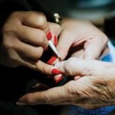 Nghề nail trên đất Mỹ: Nỗi khổ lớn nhất là khổ tâm
