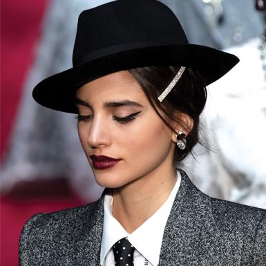 Học cách diện kẹp tóc theo phong cách của các nhà mốt hàng đầu