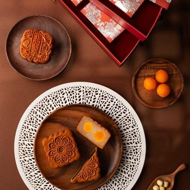 Bánh trung thu JW Marriott Hanoi – Món quà của hạnh phúc