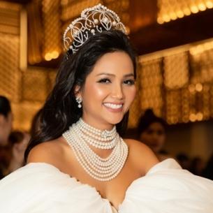 Không trao lại cho Tân Hoa hậu, H'Hen Niê tiếp tục được giữ vương miện Empower