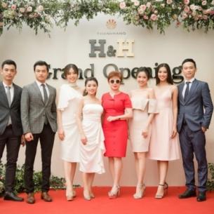 Tiểu Vy đọ sắc cùng Phương Nga, Thúy An trong lễ khai trương H&H Hạ Long