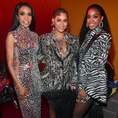 """Beyonce rạng ngời như một bà hoàng; tái ngộ với """"chị em"""" trong Destiny's Child trên thảm đỏ công chiếu """"Lion King"""""""