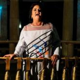 Nữ ca sỹ có âm lượng giọng hát cao tương đương một dàn hợp xướng