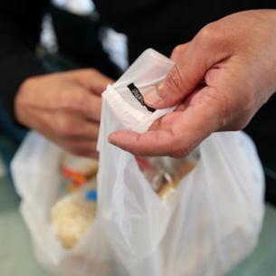 Chính phủ New Zealand bắt đầu cấm túi nhựa dùng một lần