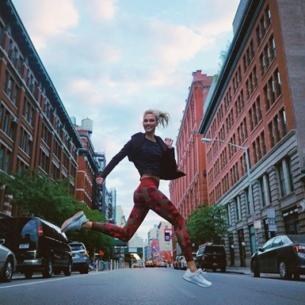 """""""Dắt túi"""" ngay các mẹo này của siêu mẫu Karlie Kloss để việc chạy bộ trở nên dễ dàng hơn"""