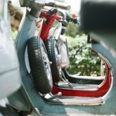Xử lý sự cố xẹp bánh xe trên các xe Vespa cổ