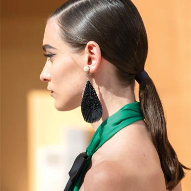 Bất chấp vô vàn xu hướng lên ngôi, tóc đuôi ngựa vẫn được Chanel ưu ái trên sàn diễn Haute Couture Thu Đông 2019