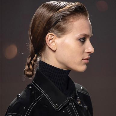 Đơn giản và quen thuộc là vậy nhưng chỉ với một thao tác, kiểu tóc tết ngay lập tức trở nên lạ mắt