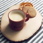 Ngày thu se lạnh có gì? Bánh quy và latte bí đỏ thôi!