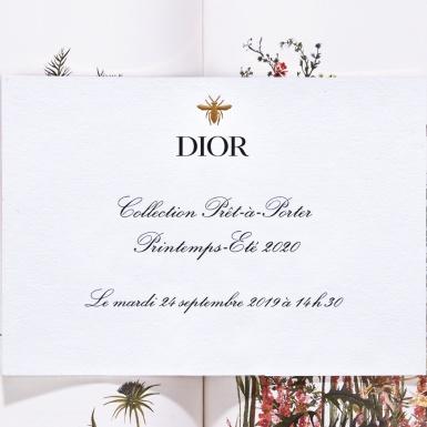 {LIVESTREAM} 19h30 thứ Ba – Thưởng thức những sáng tạo Xuân Hè 2020 của Dior từ Tuần lễ Thời trang Paris