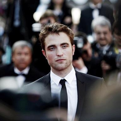 """Bỏ lại """"Twilight"""" sau lưng, Robert Pattinson tự tin bước vào thời kỳ đỉnh cao với loạt phim siêu hot"""