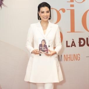 Dàn người mẫu Việt thế hệ đầu hội ngộ mừng siêu mẫu Vũ Cẩm Nhung ra tự truyện