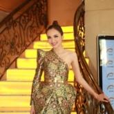 Hoa hậu Diễm Hương diện đầm cut-out xuất hiện rạng rỡ tại sự kiện