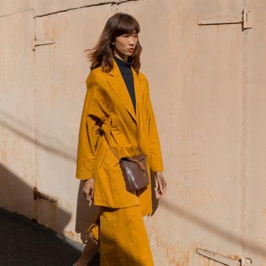 Trang Phạm mặc thiết kế của NTK Việt, biến chợ đồ cũ ở Paris thành điểm check-in sành điệu