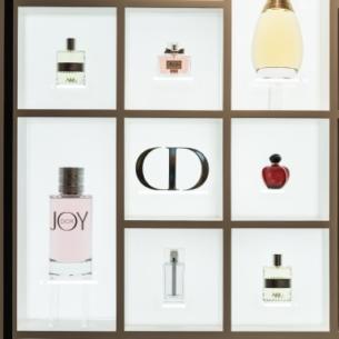 Lần đầu tiên tại Việt Nam, Dior mở triển lãm nước hoa Dior Les Parfums