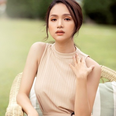 """Nhờ xem MV """"Anh ta bỏ em rồi"""" của Hương Giang mà hội chị em có ngay 2 bí kíp làm đẹp xịn sò"""