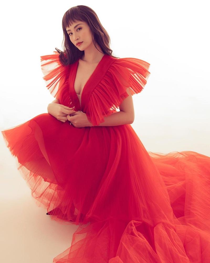 Dong-Nhi-dung-hang-Duong-Mich-Kendall-Jenner-dam-do-Giambattista-Valli-HM-DepOnline-02