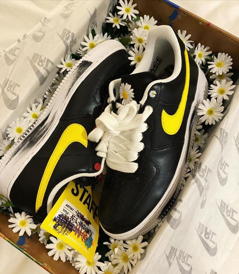 G-Dragon-khien-gioi-mo-dieu-phat-sot-voi-giay-hoa-cuc-Nike-03