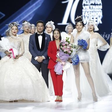 Linh Rin, Cao Thái Hà diện đồ cưới xuyên thấu có đường cắt xẻ lạ mắt