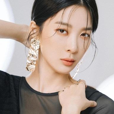 """Dẫn đầu dàn nữ thứ cực phẩm trong """"VIP"""", sức hút của Lee Chung Ah không hề thua kém Jang Na Ra"""