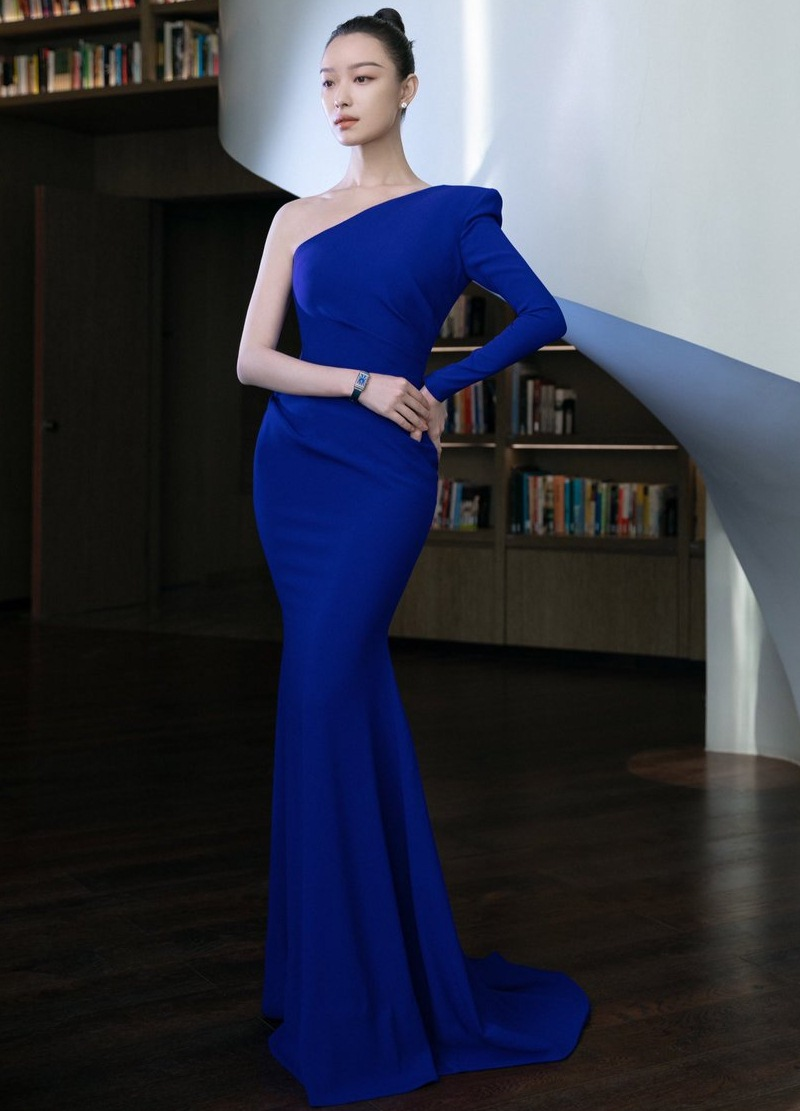 Classic-Blue-sac-xanh-co-dien-len-ngoi-2020-DepOnline-20