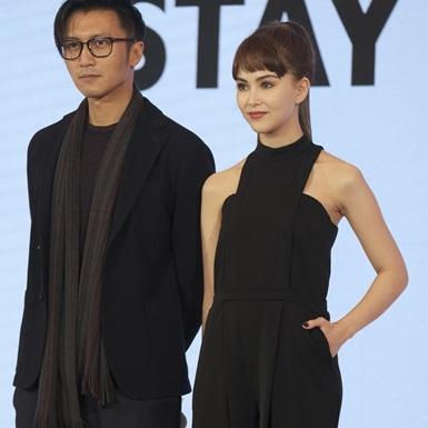 """Tạ Đình Phong và Côn Lăng khoe làn da """"không tì vết"""" tại sự kiện ở Thượng Hải"""