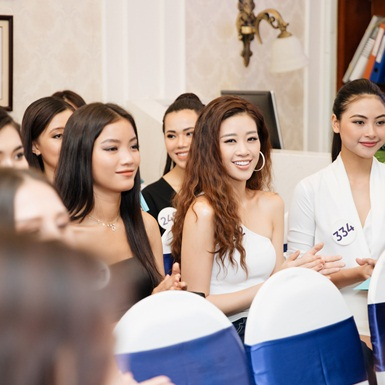 Vì sao nụ cười quan trọng với mỗi cô gái, đặc biệt là các ứng viên hoa hậu?