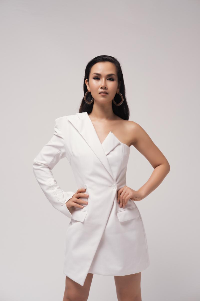 vọ hạ trâm diện váy trắng trong bộ ảnh nữ hoàng băng gía 2