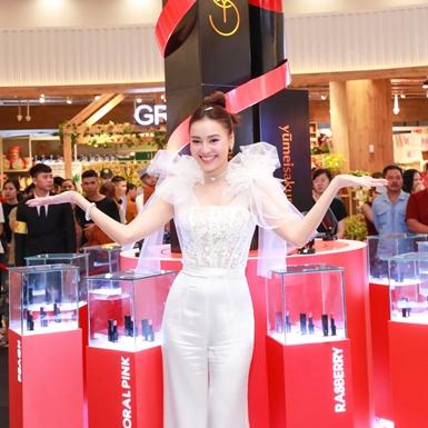 Ngô Kiến Huy, Quỳnh Anh Shyn, Sỹ Thanh mừng Ninh Dương Lan Ngọc ra mắt thương hiệu son môi chuẩn Nhật Bản