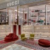 """Gucci tiếp tục với những hình ảnh mang cảm hứng """"thiếu nhi"""" cho BST Thu Đông 2020?"""