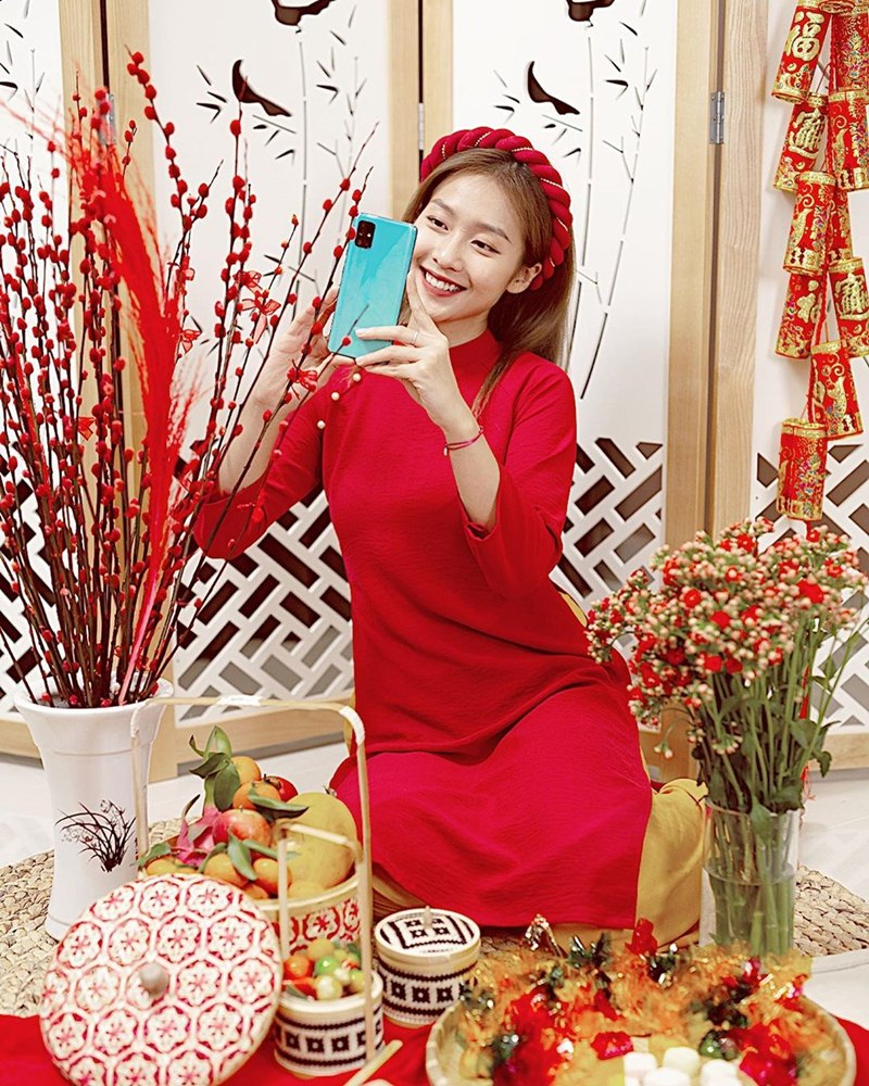 My-nhan-Viet-xung-xinh-Ao-dai-khai-xuan-don-Tet-DepOnline-05