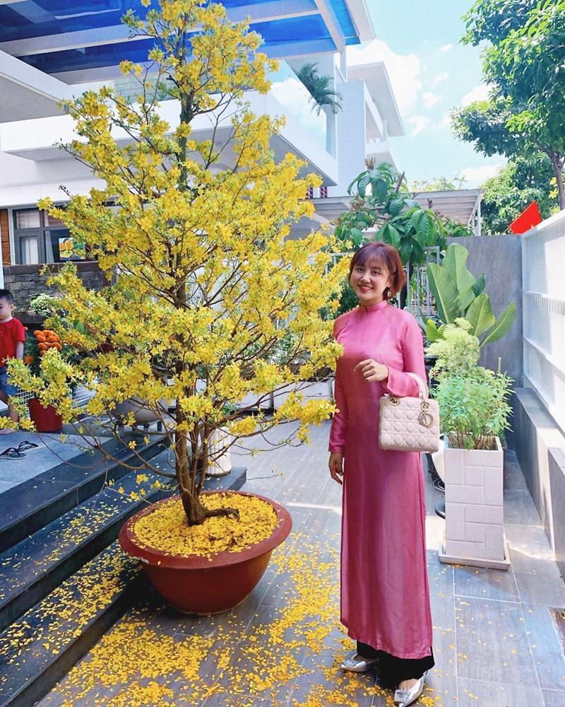 My-nhan-Viet-xung-xinh-Ao-dai-khai-xuan-don-Tet-DepOnline-15