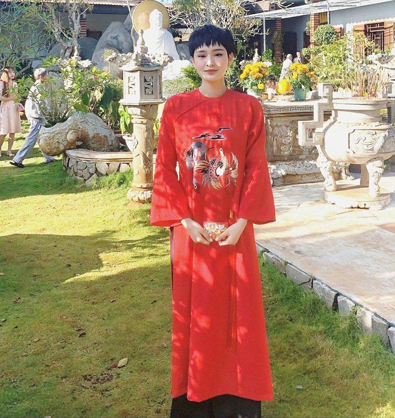 My-nhan-Viet-xung-xinh-Ao-dai-khai-xuan-don-Tet-DepOnline-17