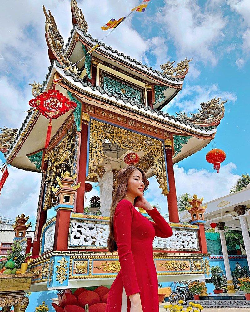 My-nhan-Viet-xung-xinh-Ao-dai-khai-xuan-don-Tet-DepOnline-19
