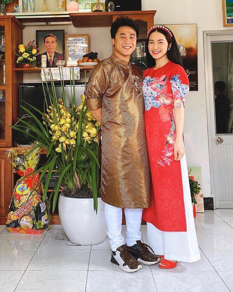 My-nhan-Viet-xung-xinh-Ao-dai-khai-xuan-don-Tet-DepOnline-20