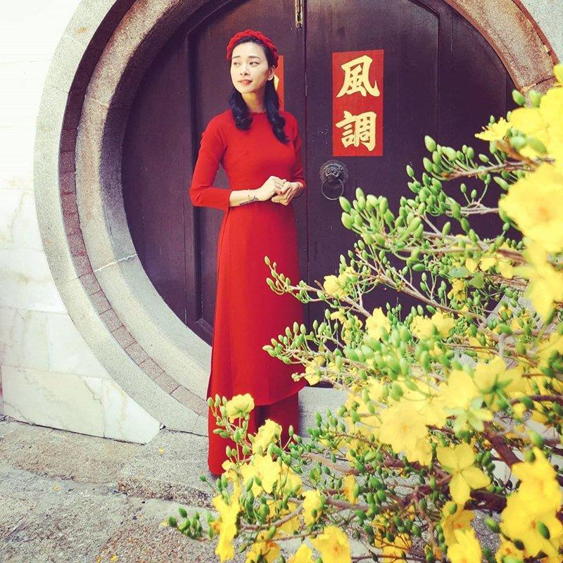 My-nhan-Viet-xung-xinh-Ao-dai-khai-xuan-don-Tet-DepOnline-21