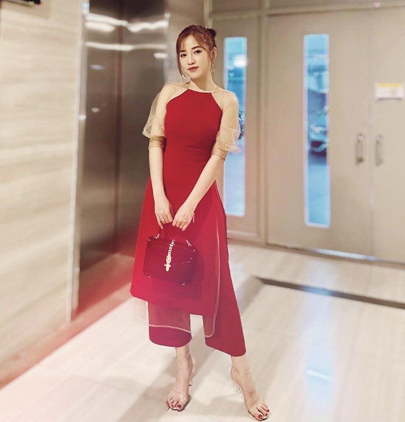My-nhan-Viet-xung-xinh-Ao-dai-khai-xuan-don-Tet-DepOnline-26