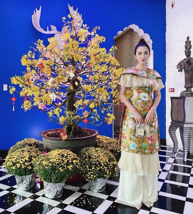 My-nhan-Viet-xung-xinh-Ao-dai-khai-xuan-don-Tet-DepOnline-33