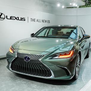 Bộ đôi sedan hạng sang Lexus LS và ES mới ra mắt khách hàng Việt