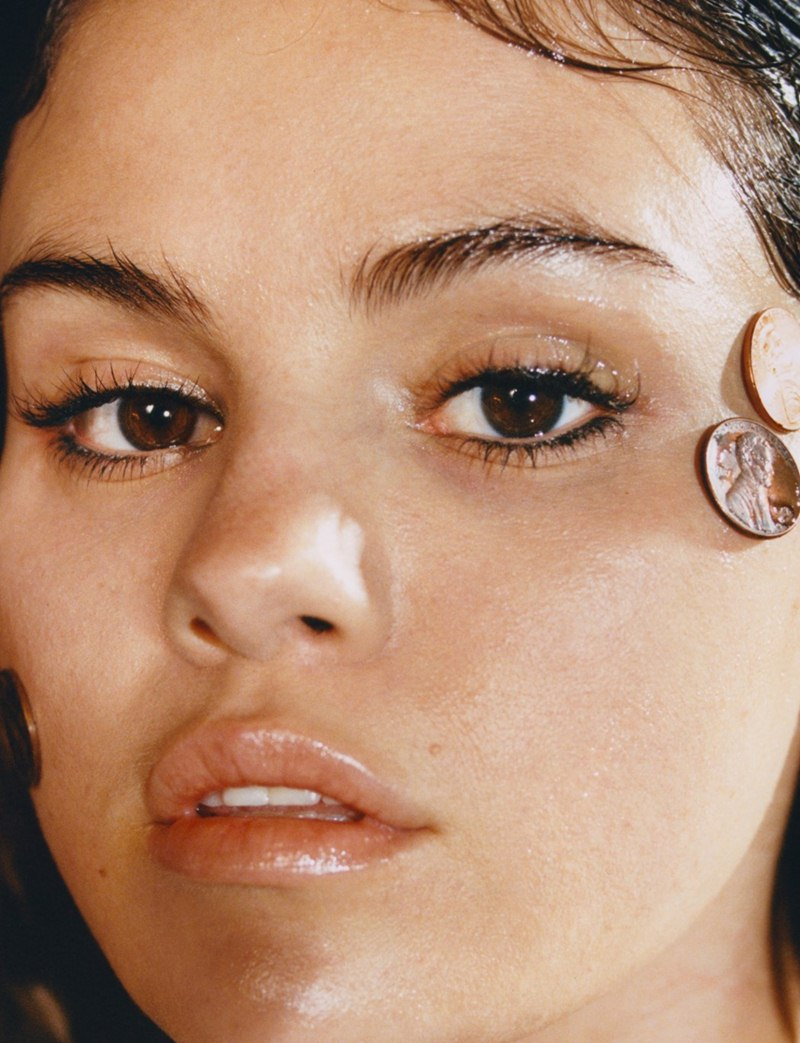 Selena-Gomez-lot-xac-hoan-toan-trong-bo-hinh-thoi-trang-tao-bao-DepOnline-12