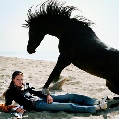 """Gucci """"tuyển"""" một đàn ngựa cho chiến dịch quảng cáo Xuân Hè 2020 của mình"""
