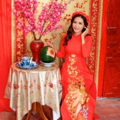 """Hoa hậu Di Khả Hân dành tặng ba mẹ một mùa """"Tết Đủ Đầy"""" và hạnh phúc"""